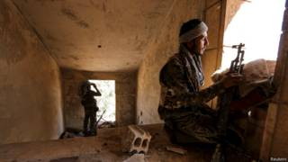 курдские ополченцы в кобани