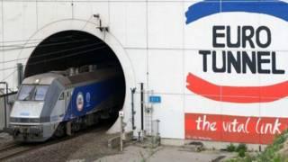 """""""2000 مهاجر"""" حاولوا عبرو النفق من فرنسا إلى بريطانيا"""