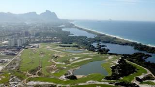 Campo de golf olímpico en construcción en Río de Janeiro, Brasil.