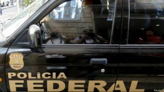 Polícia Federal em operação da Lava Jato em foto de arquivo (Reuters)