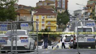 Delegacia em Istambul cercada após atentado a bomba (Reuters)
