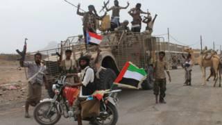 """""""المقاومة الشعبية"""" في اليمن تحاصر عاصمة محافظة إب"""
