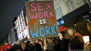 Акция протеста в лондонском Сохо в защиту прав работниц секс-индустрии