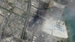 चीन के रसायनिक गोदाम में विस्फो़ट से हुई तबाही