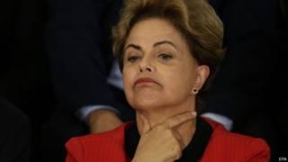 Apesar de 'posição precária', Dilma deveria continuar no poder, diz Financial Times