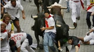 Забег с быками в Пампплоне, Испания