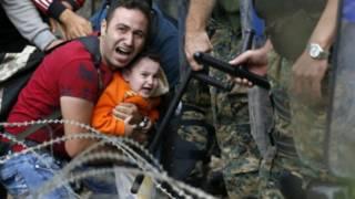 希腊马其顿边境线上的叙利亚难民