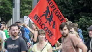 El otro lado de la crisis migratoria europea: los miles de islandeses que ofrecen sus hogares