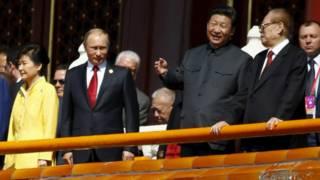 中國領導人習近平(右二)。