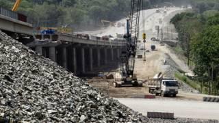 Строительство моста под Владивостоком