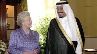 """الغارديان: """"العلاقات البريطانية المضطربة مع السعودية تشهد توترا متصاعدا"""""""