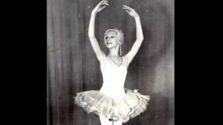Лариса Семенова танцует