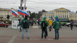 """Агитаторы разных партий на костромской """"сковородке"""""""