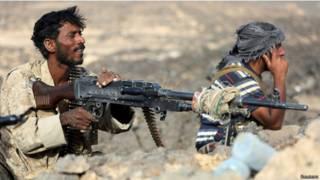 اشتداد حدة القتال بين التحالف والحوثيين باليمن