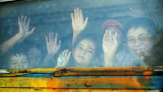 Prostituídas e exploradas: a dura realidade de crianças imigrantes abandonadas na Europa