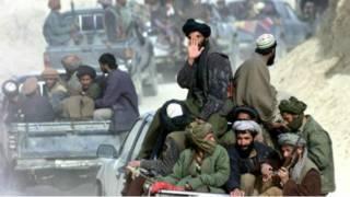 الملا أخطر منصور يكافح من أجل زعامة حركة طالبان