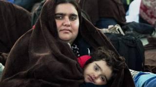 د ترکیې پولې ته څېرمه نژدې ۴۰ زره سوري وګړي دغه هېواد ته د ننوتلو په انتظار دي.