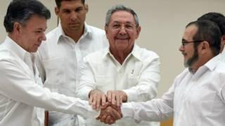 Президент Колумбии Сантос, лидер сепаратистов Лондоно и президент Кубы Рауль Кастро
