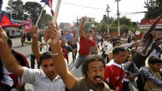 नेपाल में छात्र समूहों का प्रदर्शन