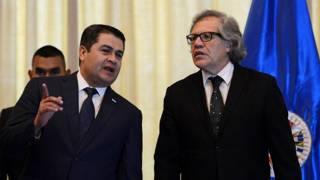 Juan Orlando Hernández, presidente de Honduras, y Luis Almagro, secretario general de la OEA (archivo)