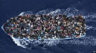 مجلس الأمن يسمح للاتحاد الأوروبي باستخدام القوة لمصادرة قوارب مهربي المهاجرين