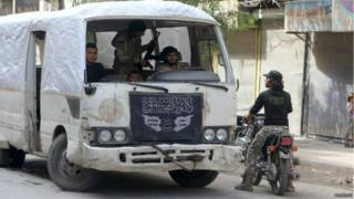 """""""الدولة الإسلامية"""" يستولي على قرى جماعات منافسة في حلب"""