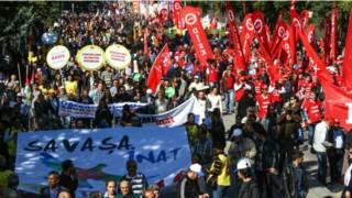 Muchas personas viajaron a Ankara desde otras ciudades para participar en la manifestación.