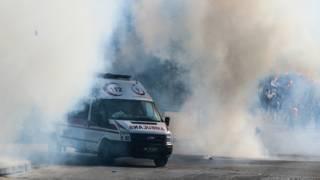 Скорая помощь на месте взрывов в Анкаре