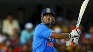 महेंद्र सिंह धोनी कप्तान भारत