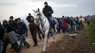 конный полицейский в Словении