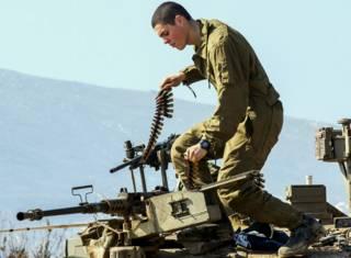 Израильский солдат на Голанских высотах 20 января 2015 года