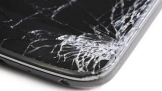 Разбитый экран смартфона