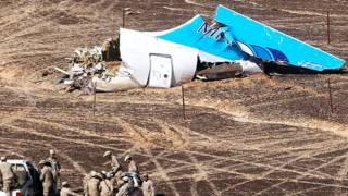 بريطانيا تشك في أن قنبلة وضعت داخل الطائرة الروسية المنكوبة قبل إقلاعها