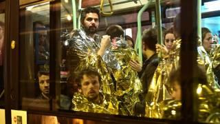 Эвакуация пострадавших из театра Батаклан