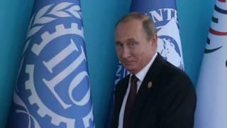 Путін: Росія готова реструктуризувати борг України