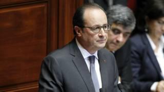 Hollande se dirigió a Francia