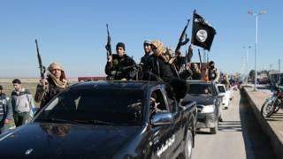 Del petróleo a la esclavitud: las 6 principales fuentes de financiamiento de Estado Islámico