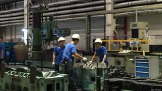 PMI数据显示中国制造业有所复苏但仍处于历史低点。