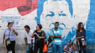 Chavistas hacen fila