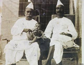अपने भाई महेंद्र प्रसाद के साथ डॉ राजेंद्र प्रसाद