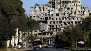 Сирийские повстанцы оставляют город Хомс