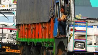 भारत, नेपाल सीमा, ट्क