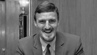1967年播报足球节目的吉米·希尔