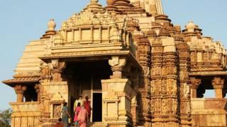 Індійський храм у Кхаджурахо