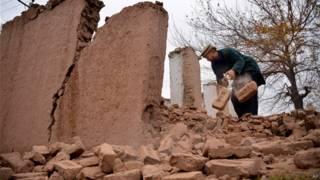 افغانستان کې د طبیعي پېښو پروړاندې د مبارزې اداره وايي، زلزلې ۲۱ کورونه کاملاً ویجاړ کړي دي