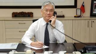 台灣陸委會主委夏立言使用熱線與國台辦主任張志軍通話(資料照片)。