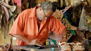 Filho do criador da sandália de Lampião vira queridinho do mundo fashion