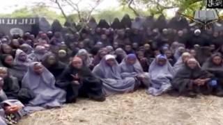 """نيجيريا تحقق في ملابسات اختطاف بوكو حرام لـ""""طالبات تشيبوك"""""""