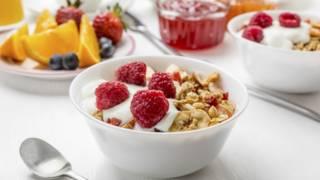 O que acontece se pulamos o café da manhã?