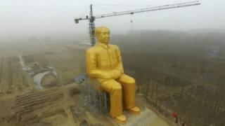 माओ की मूर्ति